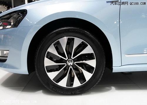 新帕萨特蓝驱版还配备了刹车