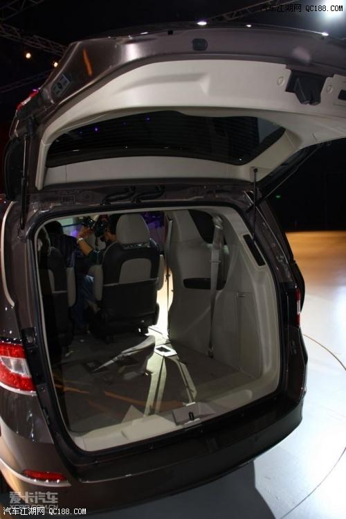 别克GL8 商务车就选别克GL8 期待您的试驾高清图片