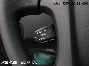 18210026671 何涛   东风悦达起亚2013款狮跑的仪表盘与