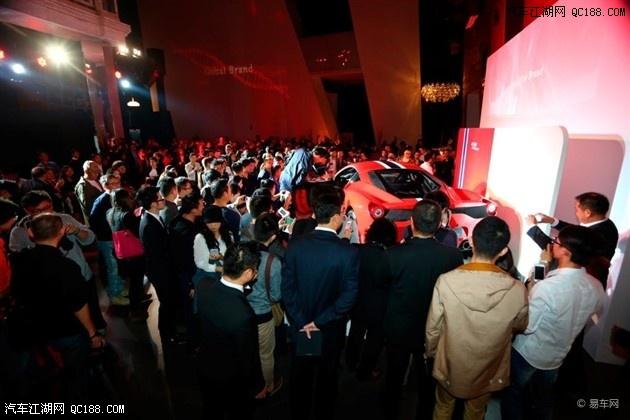 白色 红色 法拉利458敞篷多少钱