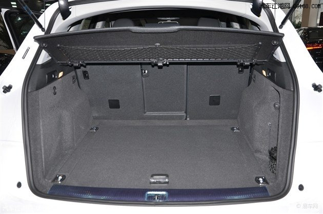 后备箱容积没有变化,与普通q5车型一样保持在540l.
