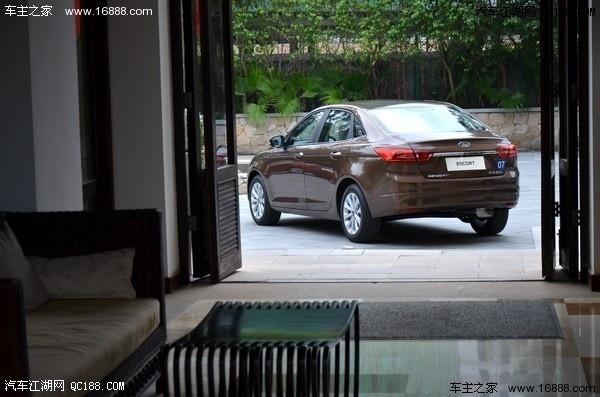 福特福睿斯低配优惠多少钱 高配优惠多少钱哪里有现车高清图片