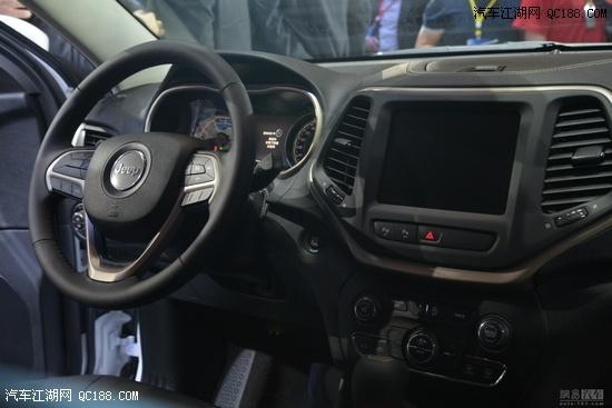 2016款jeep自由光北京最高优惠7.5万 自由光销售全国高清图片