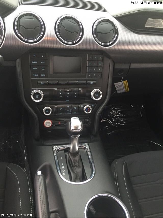 2016款福特野马2.3T P版什么配置高清图片