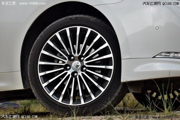 2016款丰田皇冠哪款性价比高 丰田皇冠最低多少钱高清图片