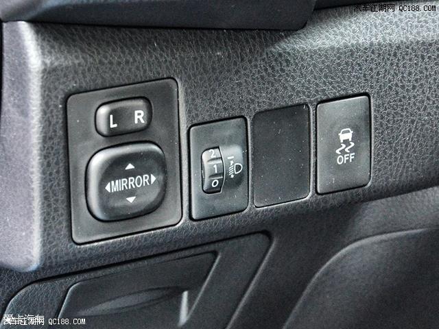 自动空调系统同样只配备于新卡罗拉d-4t的顶配车型