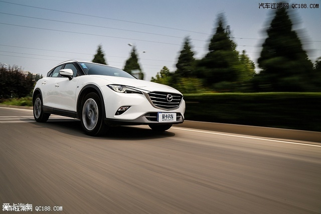 一汽马自达CX 4促销优惠1.2万元马自达CX 4发动机马自达CX 4现车高清图片