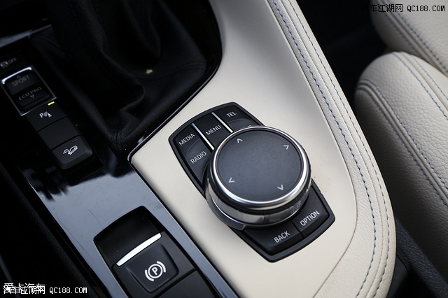 宝马x1现在优惠幅度大部分车系可优惠七万现车充足