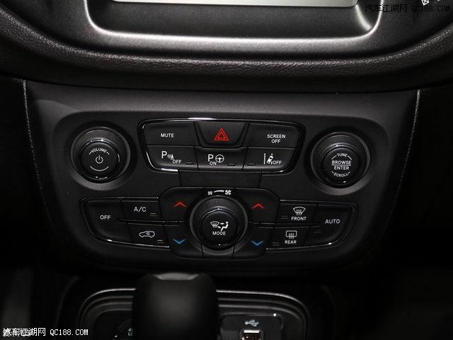 广汽菲克Jeep指南者还配备了车道偏离预警系统和自动双方位泊车辅助高清图片
