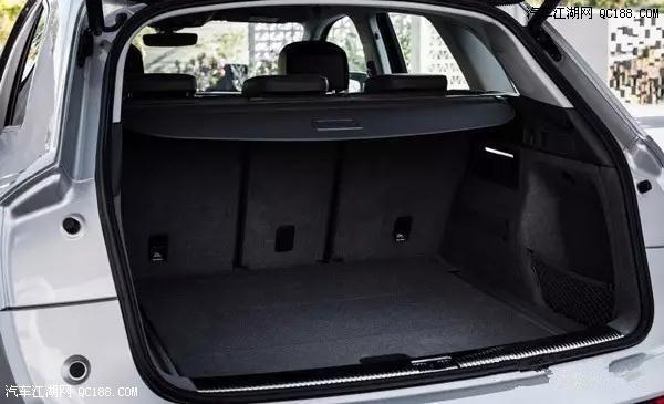 现如今汽车市场发展迅猛,被看好的车型也有许多,但要成为叫好又叫座的车型,则需要很多方面的配合,如品牌效应、设计、舒适性、实用性、科技配置以及动力系统等多方面。自2008年奥迪推出了Q5以来,累计至今已售出超过160万台,占到了奥迪总销售量的四分之一,不止为Q系SUV打下了坚实的基础,也能看出用户对它的青睐。 全新2018款Q5将由奥迪位于墨西哥的工厂生产,并且本次海外试驾的这台Q5,可以说是经受了全地形的洗礼。公路、山路、沙地,直路、连续弯都有测试,完全能够感受到 quattro 四轮系统的强大。