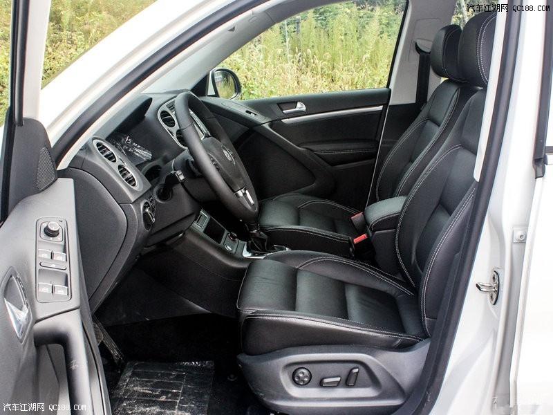 大众途观座椅造型采用大众汽车最新的纵向分割镶拼设计,人体工学设计