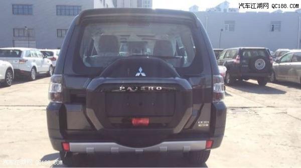 2017款三菱帕杰罗V97新款SUV中东版多少钱高清图片