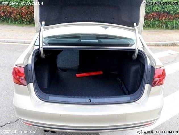 一汽大众宝来带天窗是哪个配置宝来后备箱容量如何