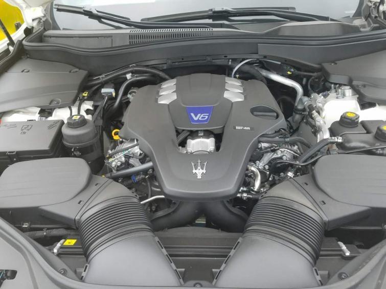 17款玛莎拉蒂莱万特美规版高功率豪华顶配SUV全国热卖
