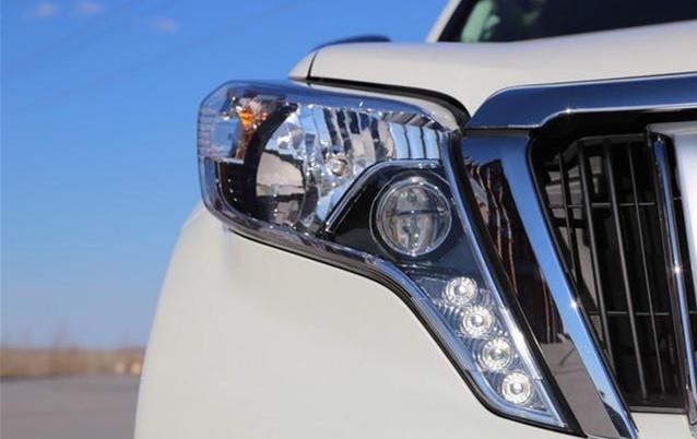 2017款丰田霸道2700 随意选配价格优惠