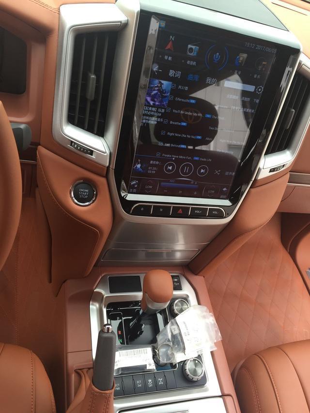感觉.新款车型装配了新样式的仪表盘、4.2寸的仪表盘显示屏、9高清图片