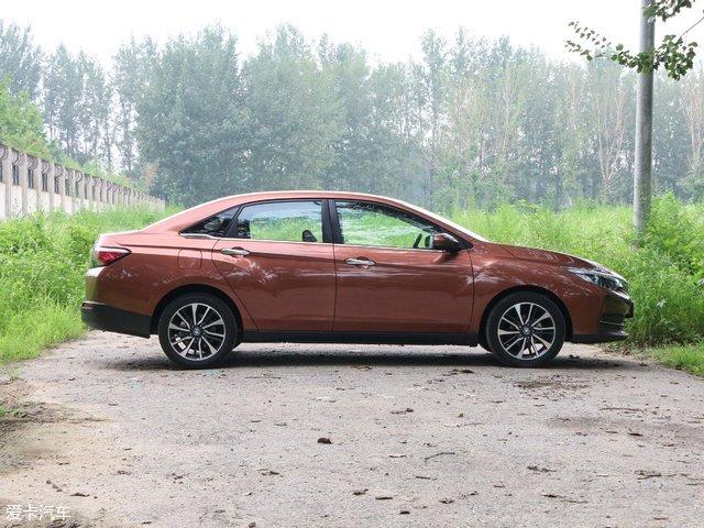 日产启辰D60是属于轿车还是掀背车 启辰D60最新售价高清图片