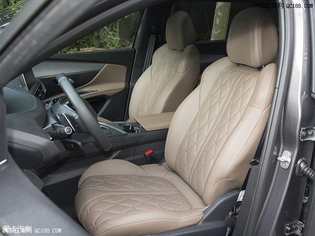 5008前两排座椅的造型和空间与4008完全相同,两者在车身尺寸上的高清图片