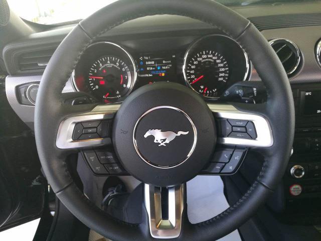 纯色才是最正统的跑车,感受一下福特野马的旷野咆哮!