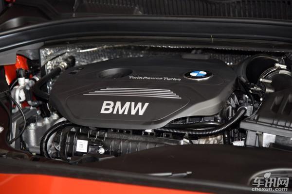 分别为搭载B38系列三缸1.5T发动机的宝马218i,其最大功率为100