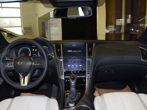 英菲尼迪Q60低配有真皮座椅吗英菲尼迪Q60有自动头灯吗
