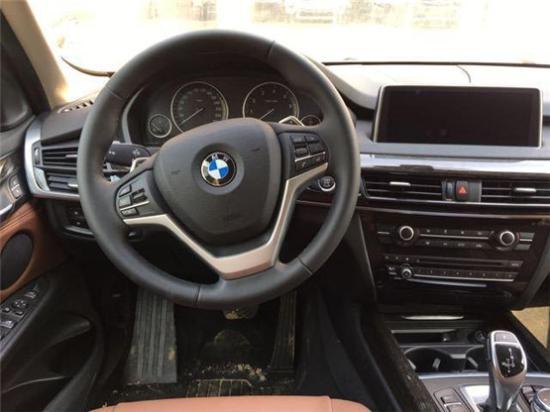 18款宝马X5中东版穿越城市各种道路最新报价多少钱油耗
