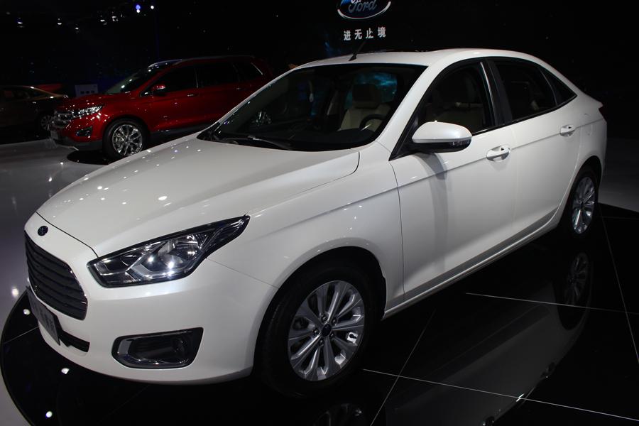 新款2107图片及报价北京福睿斯分期贷款多少   内容摘要 1,2017款福特