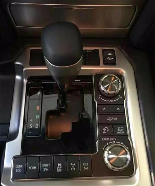 2017款丰田酷路泽5700真正的越野之王性能动力深度评测