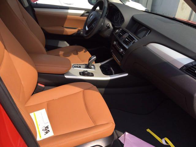 2017款宝马X3现车促销优惠 全景大天窗实拍对比