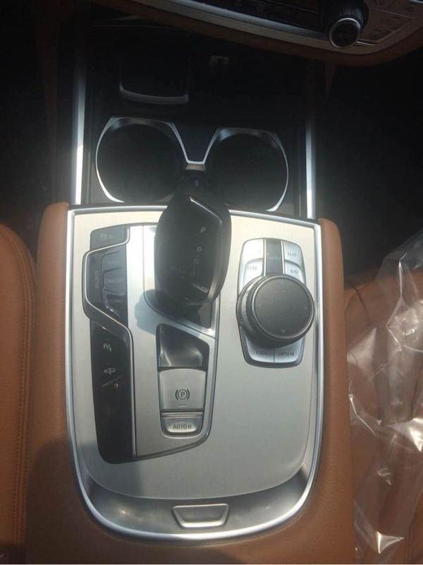 宝马730Li中东版现车2.0T配置成功人士的坐驾