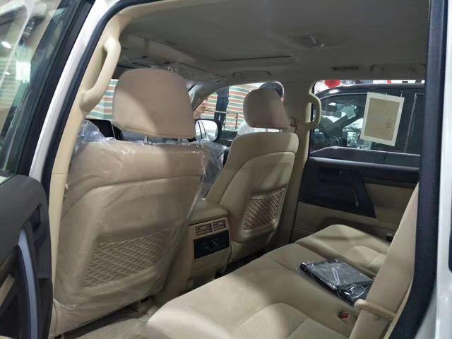 17款丰田酷路泽4600配置天津港平行进口价格售全国