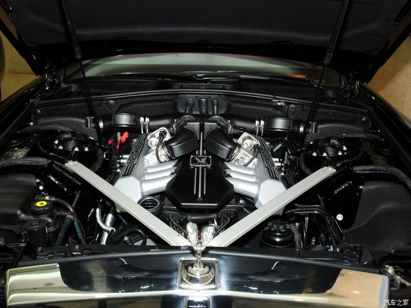 除了启动后会用富有磁性的嗓音嘶 (关于宾利的L410 V8发动机可以