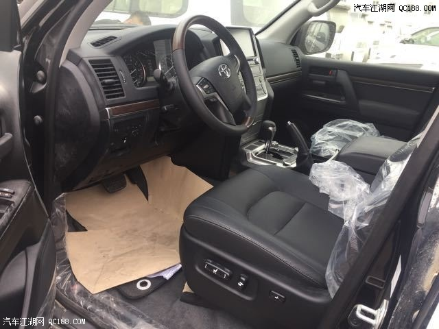 17款丰田酷路泽4000中东版丐版报价和18款陆巡丐版价格
