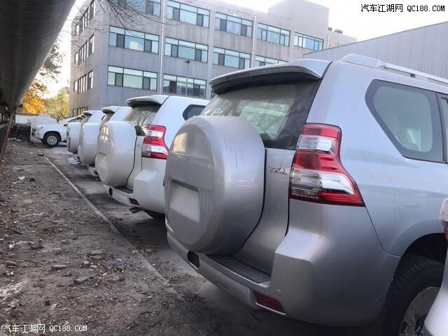 2017款中东版丰田霸道4000库房现车手续齐全国最低价