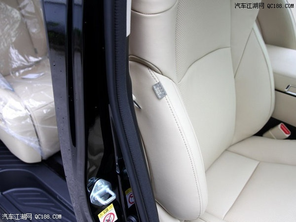 丰田埃尔法商务四驱顶配空间宽敞配置齐全舒适座驾