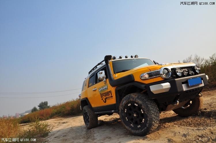 FJ酷路泽中东版4000现车齐全硬SUV天津港最新多少钱
