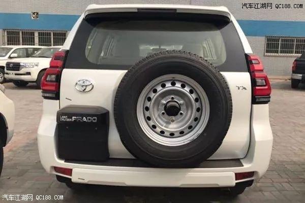 2018款中东版进口普拉多2700与18款帕杰罗V97大对比