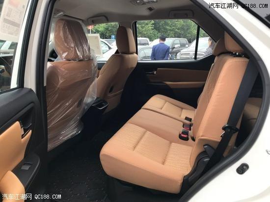 18款丰田穿越者 配置 2.7排量7座越野SUV现车实拍
