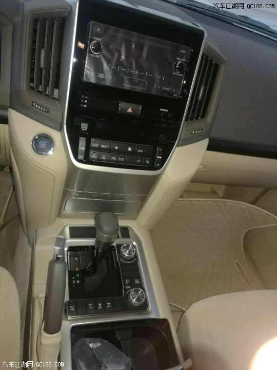 2018款丰田酷路泽4000无可挑剔的彪悍越野机能