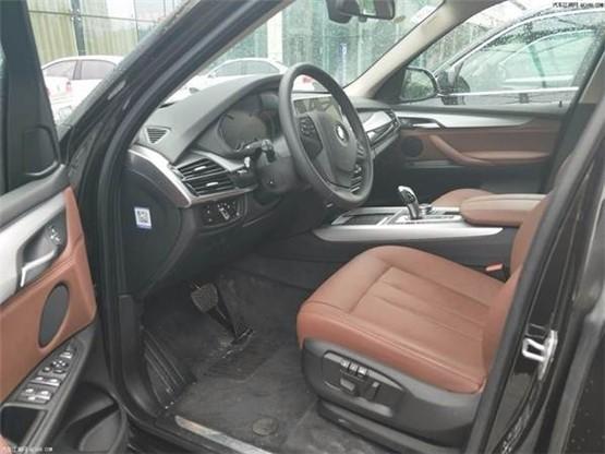 宝马X5中东版现车销售低配高配都有最适合城市使用