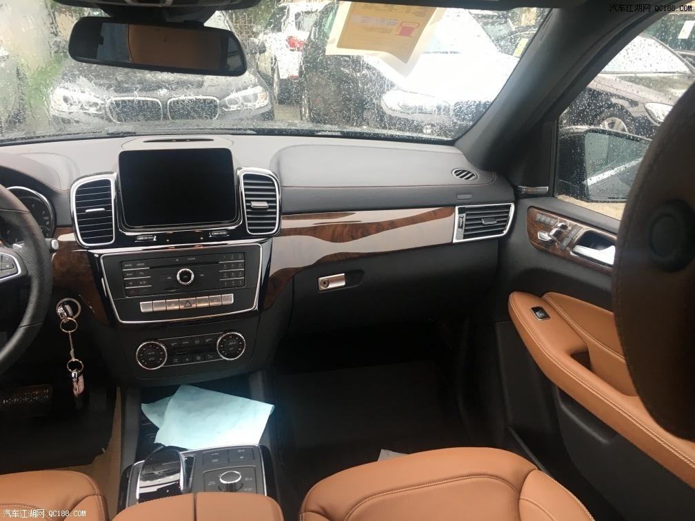 19款加规版奔驰GLS450七座豪华SUV津港钜惠热销全国