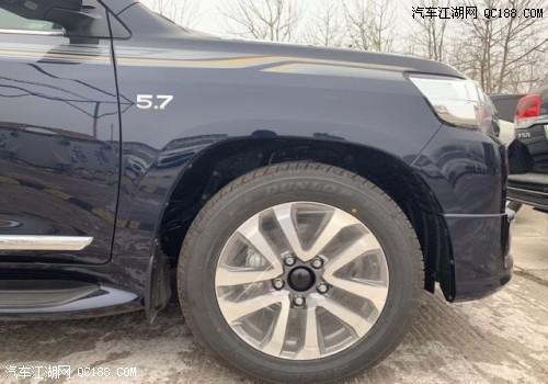 2019款丰田酷路泽5700VXR中东版现车最新价格