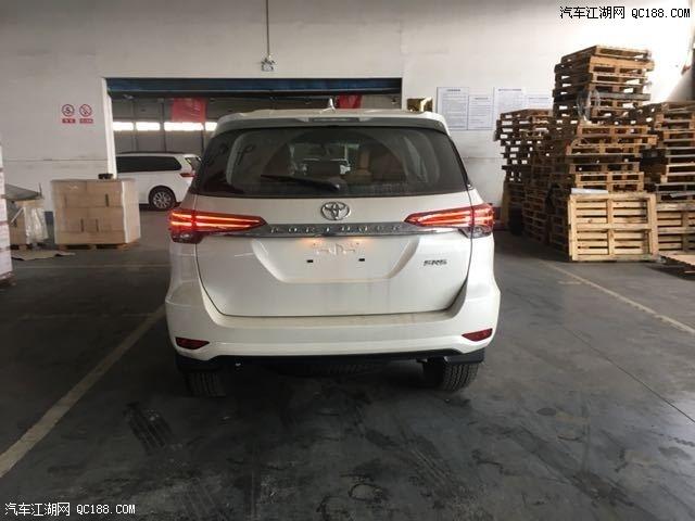 2019款丰田穿越者 奔跑者 2.7中东版天津港报价