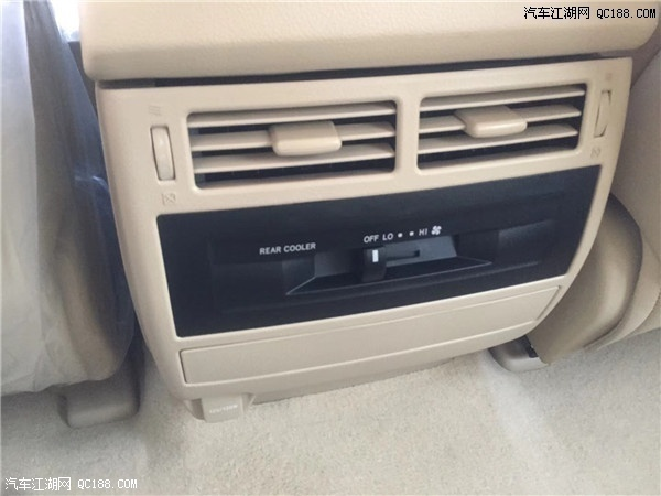 2019款中东版丰田酷路泽4000 全能型越野现车促销