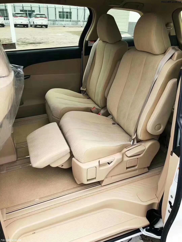 中东版丰田普瑞维亚商务车现车多少钱
