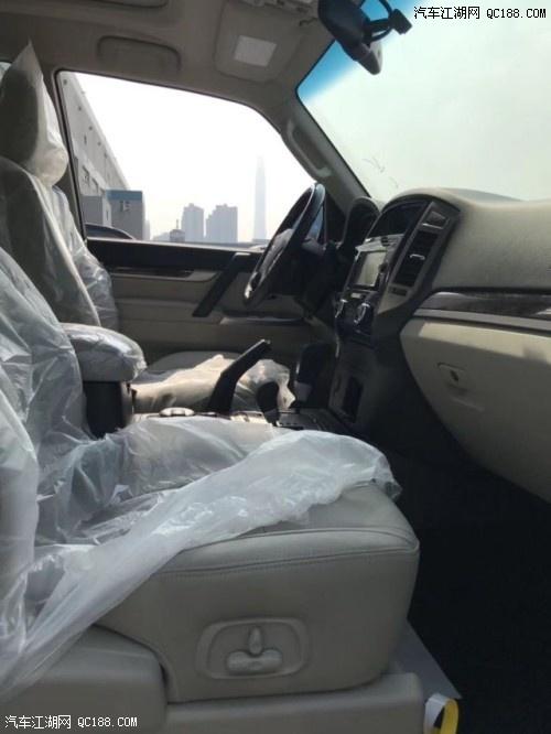 天津港现车19款金标顶配山猫三菱帕杰罗V97配置29.7