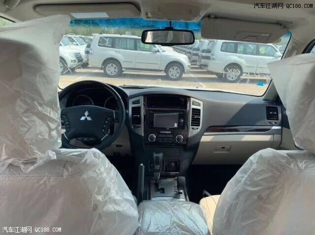 最新19款中东版三菱帕杰罗V97配置报价