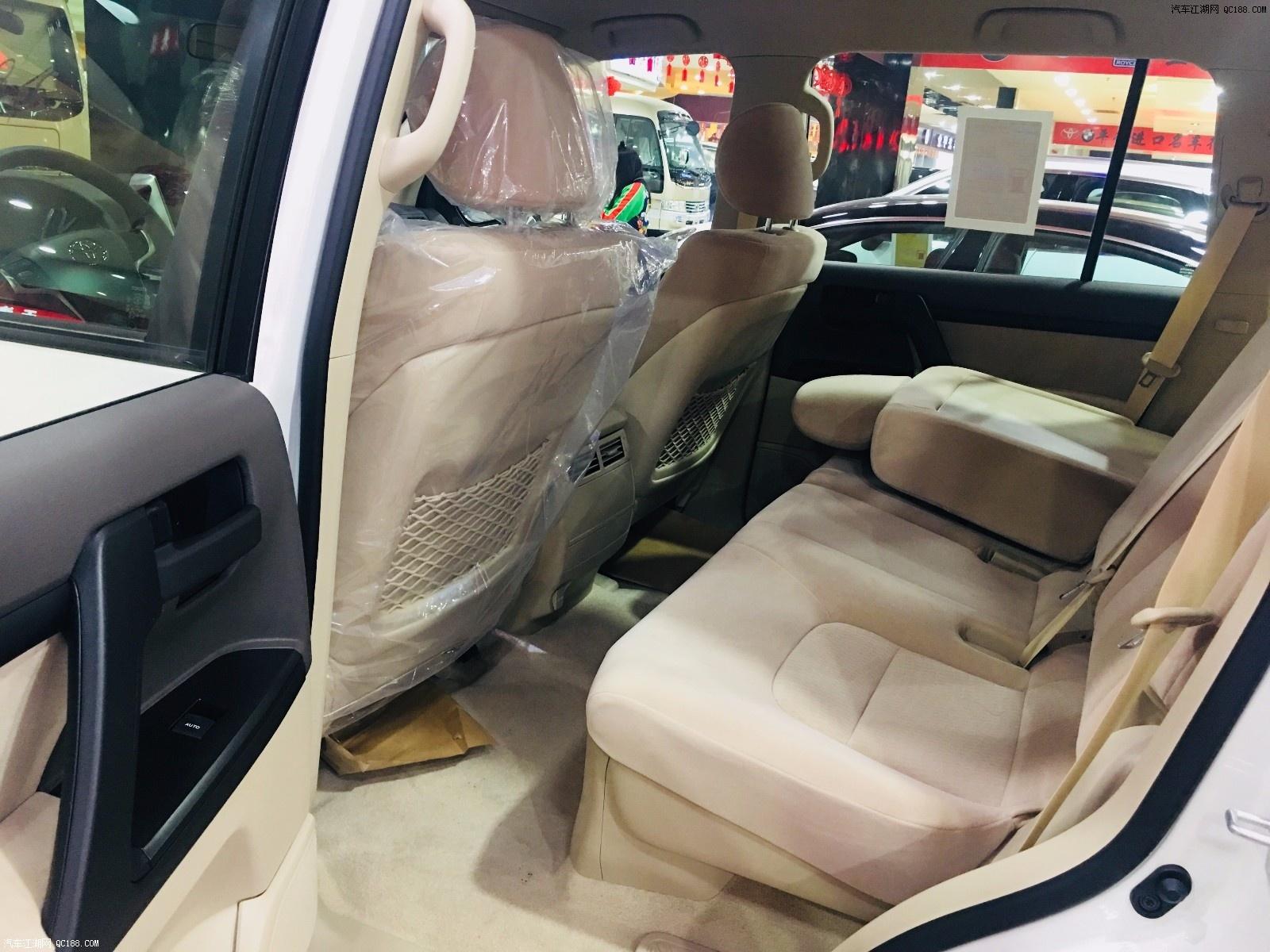 中东版20款丰田酷路泽4000 一款全尺寸豪华越野