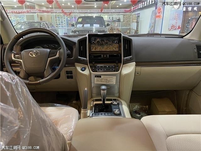 2020款中东版丰田酷路泽4000性能本家实拍